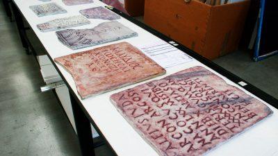 Decorazioni romane su legno
