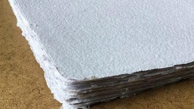 Carta prodotta a mano